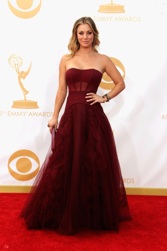 kaley cuoco in vera wang