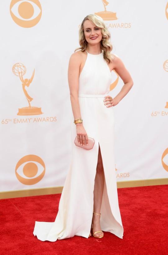 Taylor-Schilling-in-Thakoon-2013-Primetime-Emmy-Awards-600x912