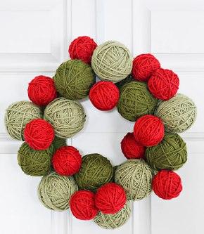 8348_christmas-decor-dime-yarn-wreath-1210-lgn