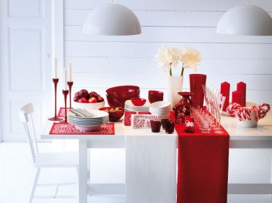 and-white-swedish-dining-table-swedish-decor-modern-decorating-ideas-25-Christmas-Table-Decorating-Ideas-12contempooo