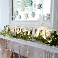 Christmas-Modern-Mantel-decoration