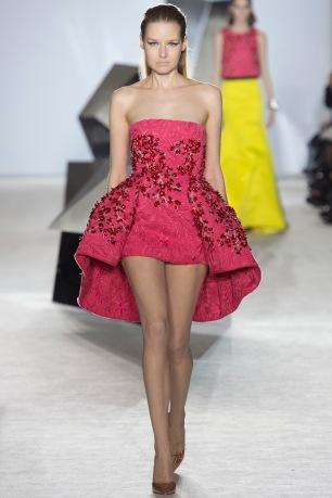 giambattista-valli-spring-2014-couture-runway-22_164839953320