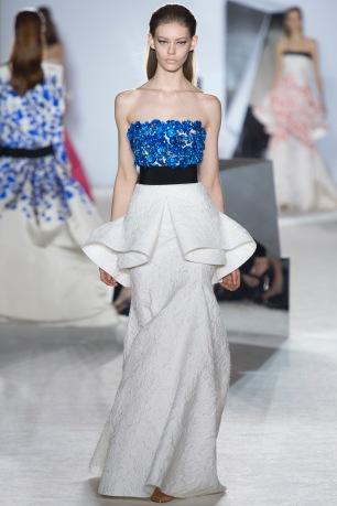 giambattista-valli-spring-2014-couture-runway-28_164849577787