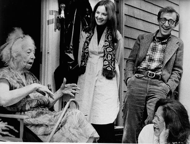 1977-Annie-Hall-Keaton_principalGaleriaApaisada